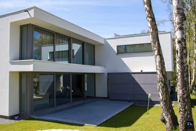 Villa moderne avec garage, XL Construction société de construction