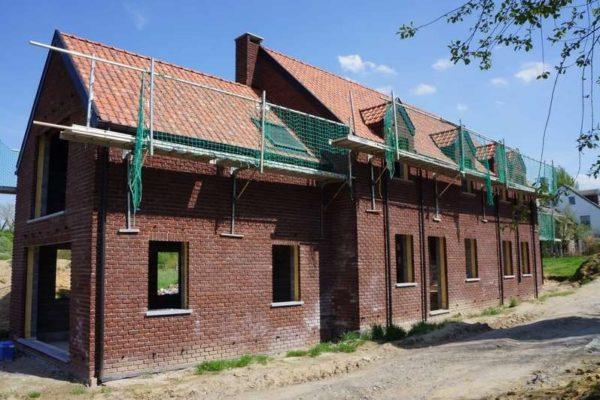 Construction de plusieurs petites maisons par notre entreprise générale de construction
